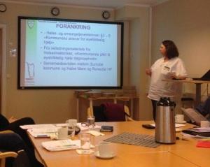 Britt Iren Bæverfjord deler erfaringer med kommunalt øyeblikkelig hjelp tilbud i korttidsavdelingen.